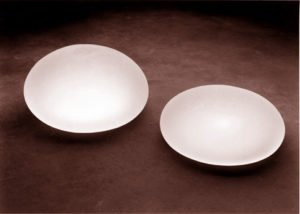 breast-implants-filled-with-saline-solution-image